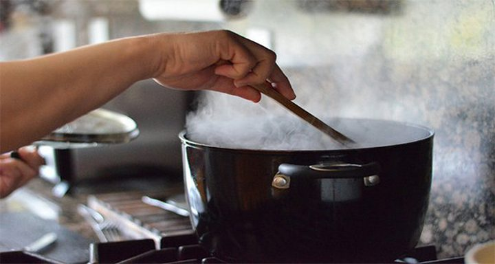 كيف نضمن تسخين الطعام بشكل أمن؟