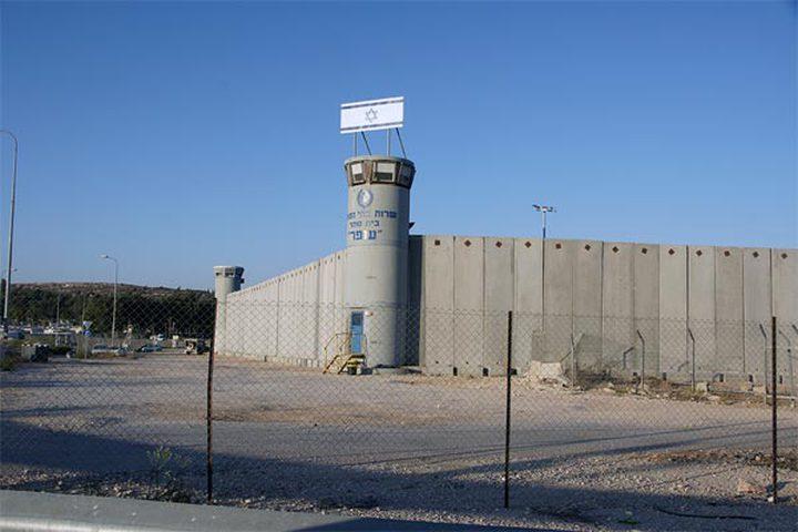الأسرى في سجن نفحة يعلنون الاستنفار
