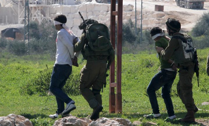 اعتقال 5 مواطنين بالضفة