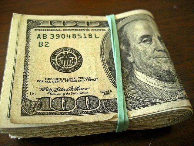 سرقة أكثر من 200 ألف دولار من منزل متسولة في القدس