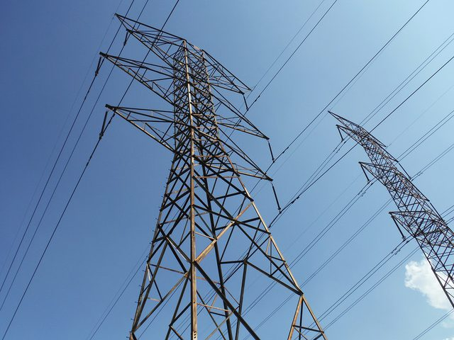سلطة الطاقة: الفترة القادمة ستشهد انخفاض في سعر الكهرباء