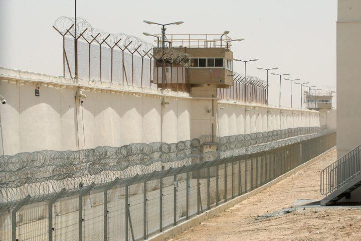 الشرطة الاسرائيلية تعتقل مواطنا بتهمة تهريبه لعمال من الضفة