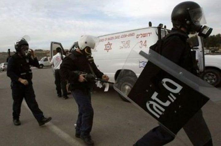 """بعد عملية """"نفحة"""" ... أسير يطعن ضابطا للاحتلال في سجن النقب (محدث)"""