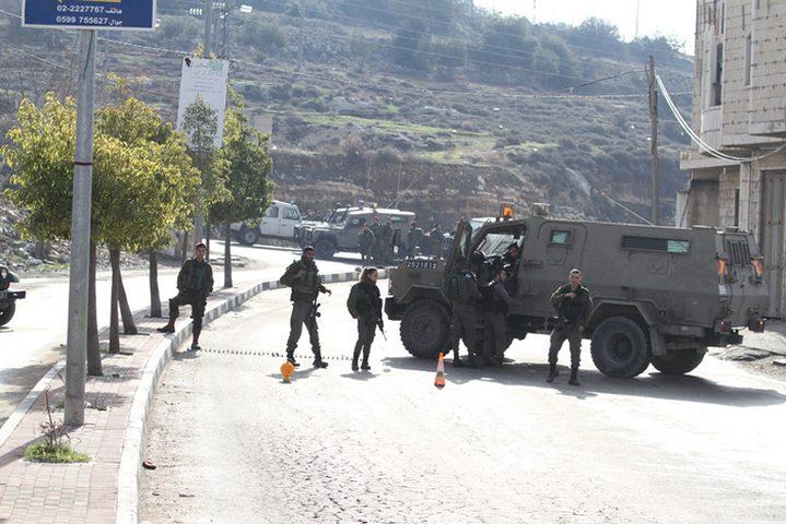 الاحتلال يغلق الطريق بين قرى شمال غرب القدس ورام الله