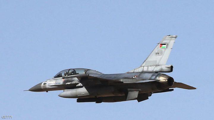 """الجيش الاردني يقضف اهدافا لـ""""داعش"""" جنوبي سوريا"""