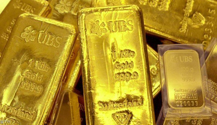 الذهب يتماسك قرب أعلى مستوى في 11 أسبوعا