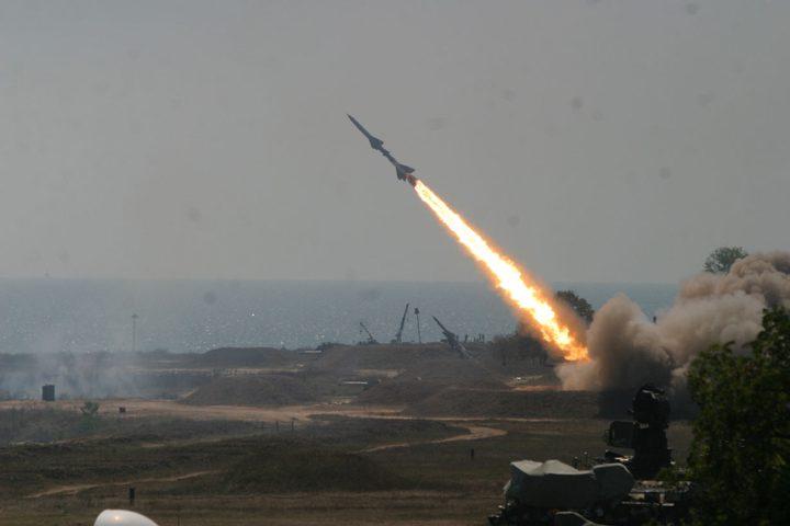 صاروخ يضرب ساحل عسقلان