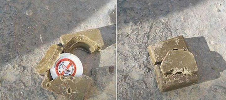 طائرات الاحتلال تقصف الفلسطينيين بحلوى سامة