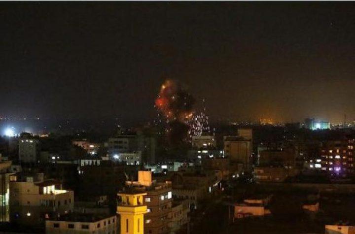 سلسلة غارات ليلية للاحتلال على شرق غزة (صور)