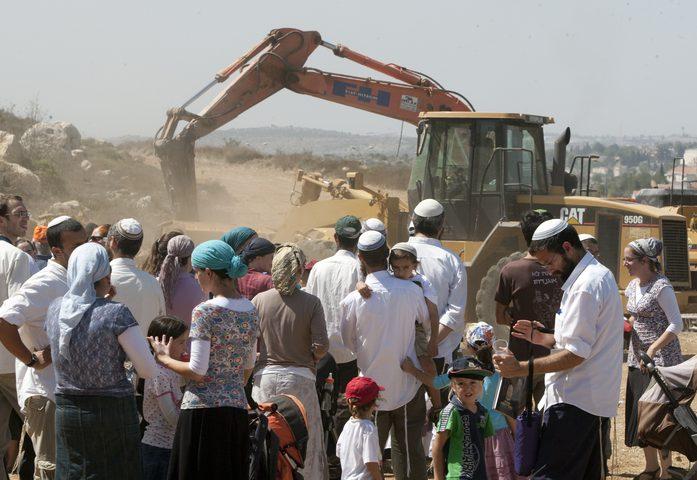 """منظمات إسرائيلية تدين المصادقة على """"الشرعنة"""""""