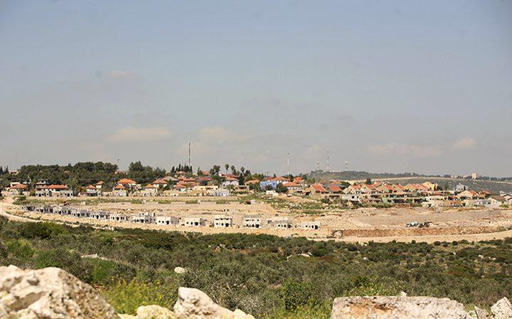 محكمة الاحتلال تقرر هدم بؤرة استيطانية جنوب نابلس