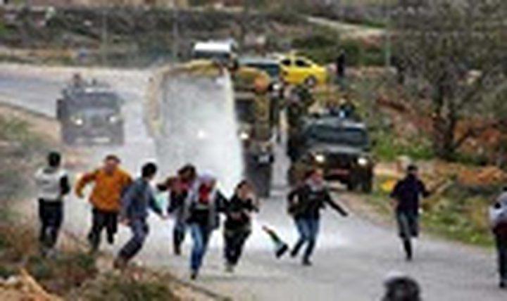 مواجهات بين الشبان وجيش الاحتلال بمخيم الدهيشة