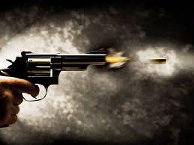 مجهولون يطلقون النار على مواطن في الخليل