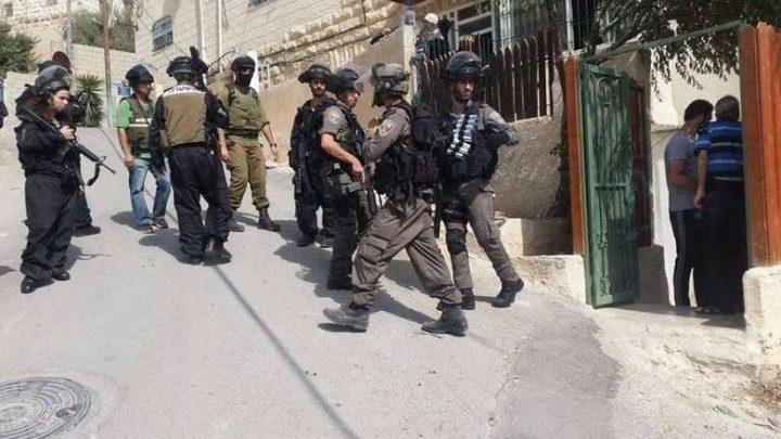 الاحتلال يغلق منزلا في الخليل