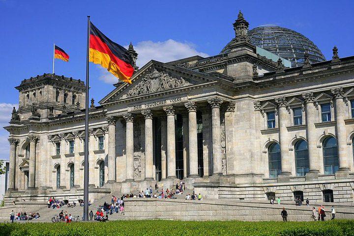 """ألمانيا تندد بقانون """"سرقة الأراضي"""""""