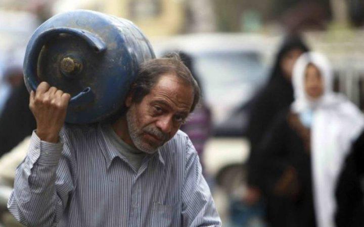 غزة  ...تشغيل خط غاز الطهي بكرم أبو سالم