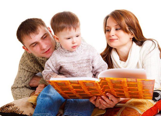 كيف تعودين طفلك على القراءة؟