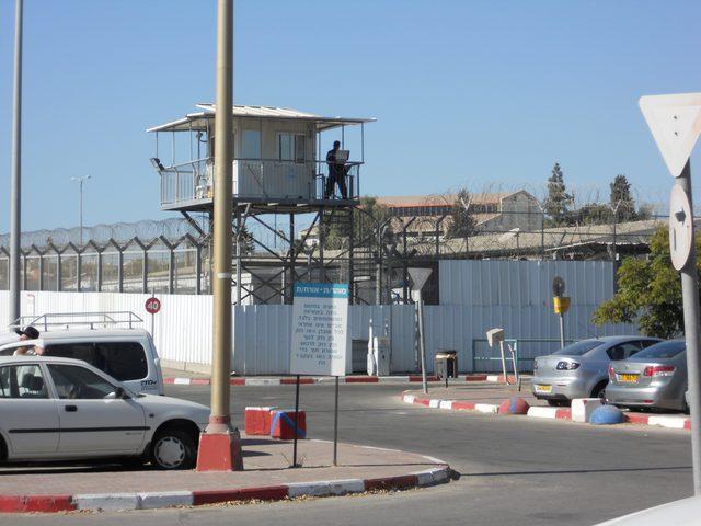 """محامي لـ""""النجاح الإخباري"""": لا عملية طعن في سجن جلبوع"""