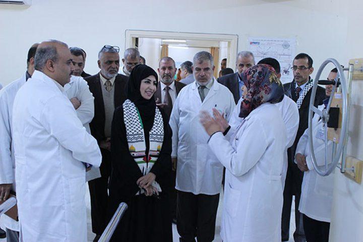 قطر تفتتح قسم السمعيات وتسلم شقق سكنية في غزة