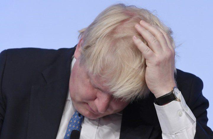 """وزير خارجية بريطانيا يتخلى عن """"أمريكيته"""""""
