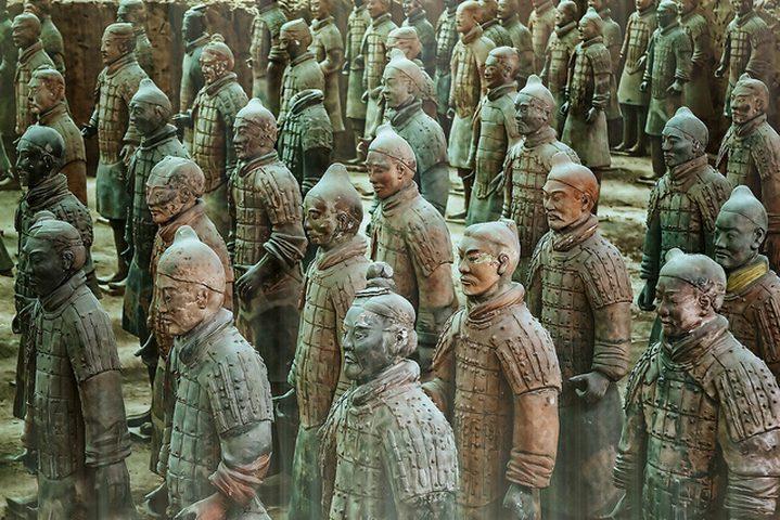 """""""جيش مزور"""".. صنع في الصين"""