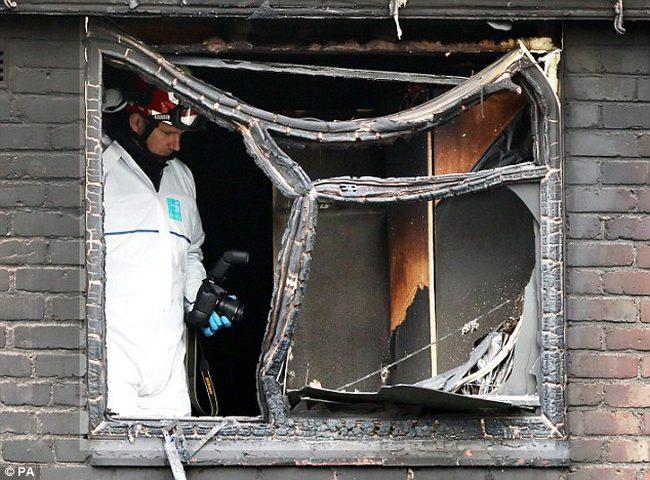 وفاة فلسطيني وزوجته واصابة أطفالهما بحريق في بريطانيا (صور)