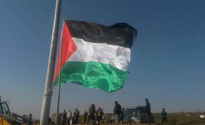 الاحتلال يقتلع سارية علم فلسطين في سبسطية