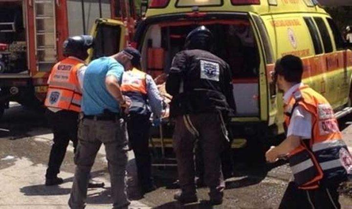 إصابة فلسطينيين طعناً في بئر السبع