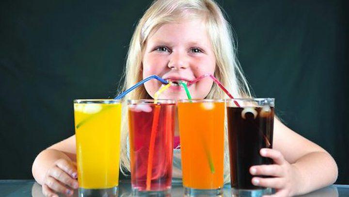 المشروبات الغازية آفة تفتك بكبد الأطفال