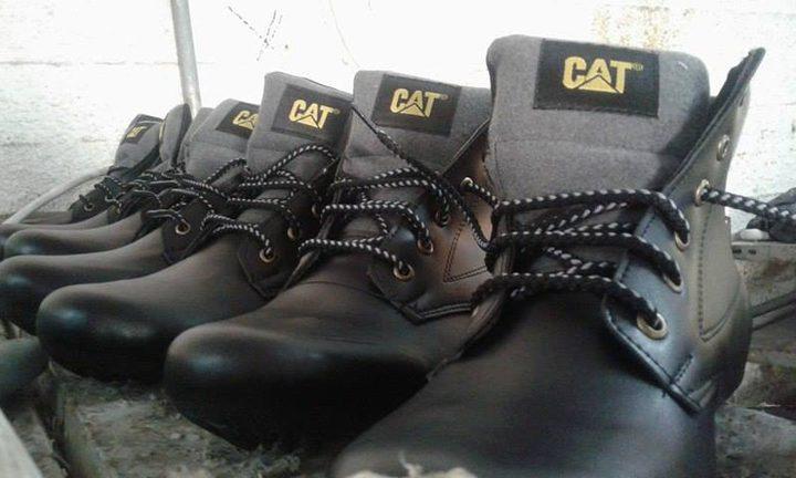 صناعة الأحذية في الخليل بين عوائق الاحتلال و خطر الاندثار