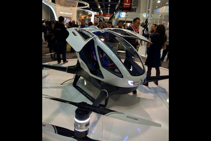 طائرة دون طيار لتجنب أزمة المرور في دبي