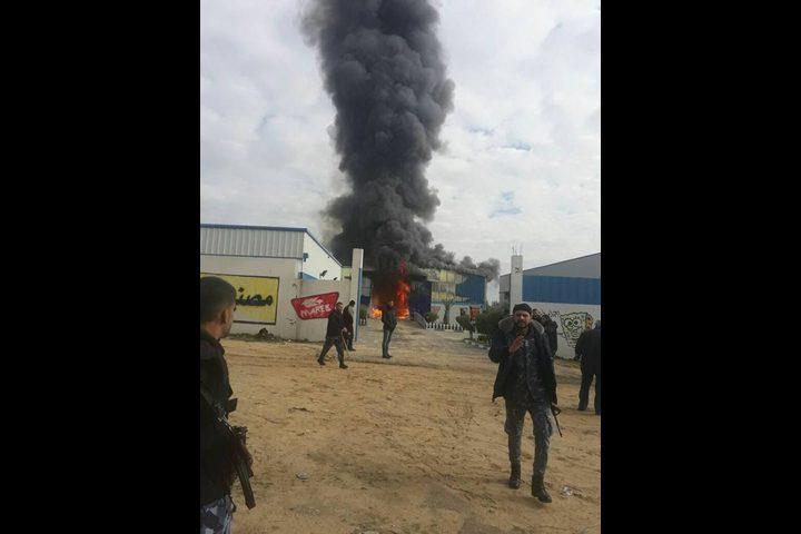 إصابة ثلاثة أشخاص في حريق بغزة