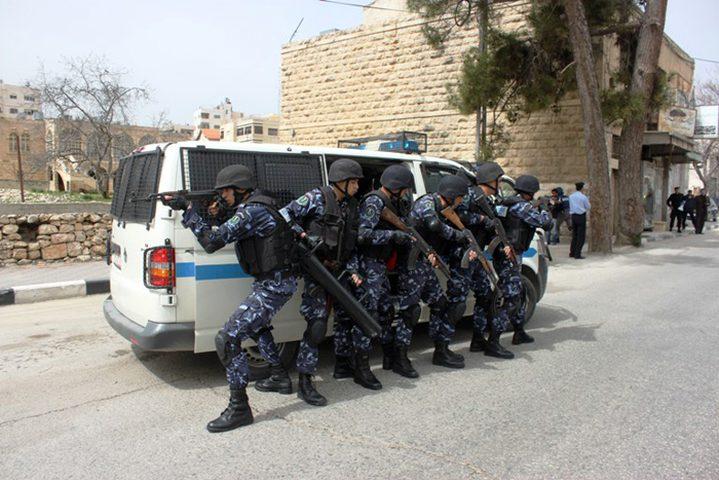 شرطة جنين تشن حملة ضد السيارات غير القانونية