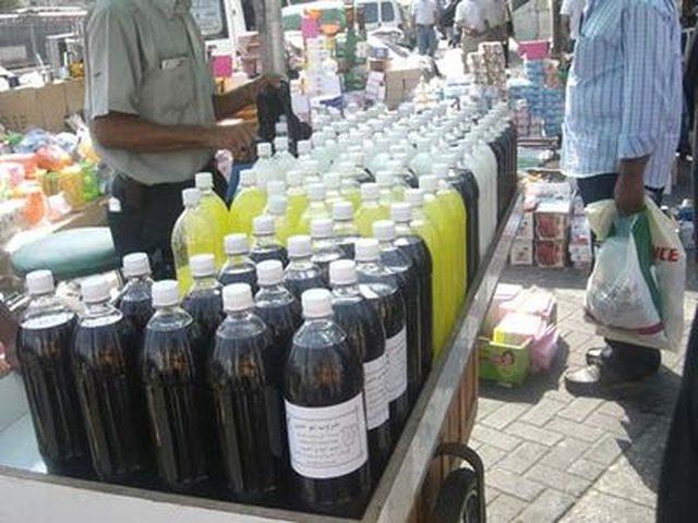 ضبط 324 علبة عصير منتهية الصلاحية في قلقيلية