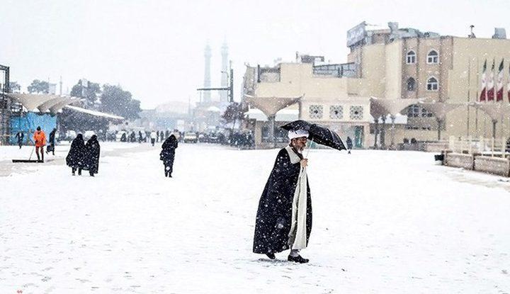 تساقط ثلوج وفيضانات وعواصف رملية في ايران