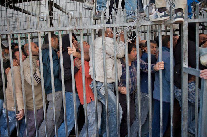 حوالي 117 ألف عامل فلسطيني في اسرائيل ومثلهم دون تصاريح