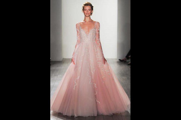 اللون الوردي لفساتين زفاف 2017
