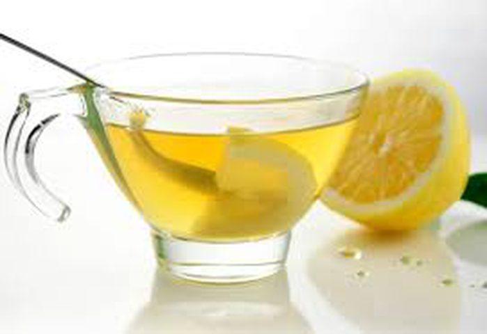 شرب الماء المغلي بالليمون يحافظ على صحتك
