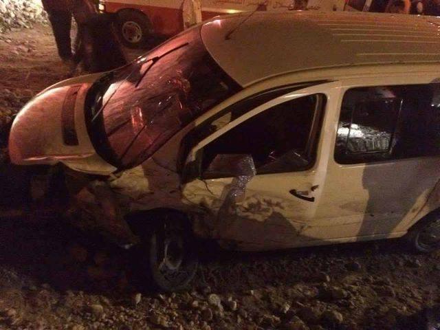 إصابة 8 مواطنين بحادث سير في العبيدية