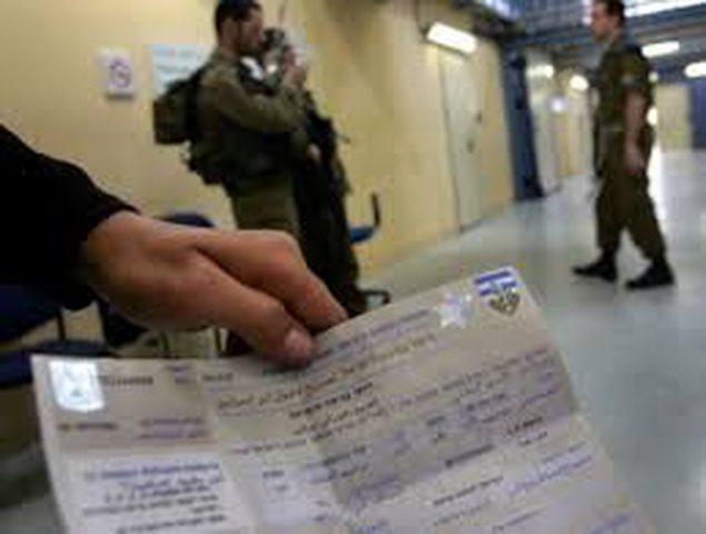 اعتقال شاب بتهمة تزيف تصاريح إسرائيلية