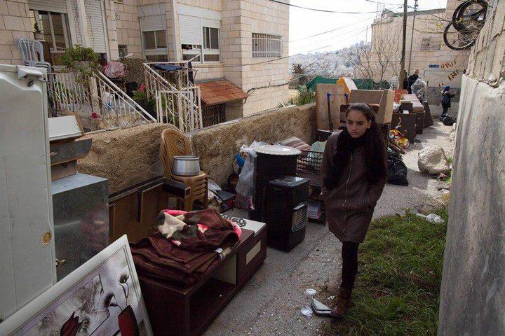 """الإحتلال يشرد عائلة أبو رموز صور"""""""