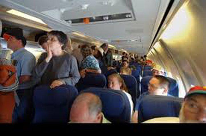 اعتقال اسرائيلي هدد بتفجير عبوة على متن طائرة