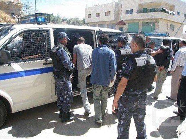 الشرطة تضبط مخدرات و4 متعاطين مطلوبين للعدالة في أريحا