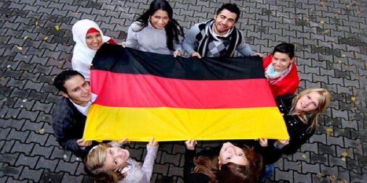 المانيا تحفز اللاجئين لمغادرة اراضيها