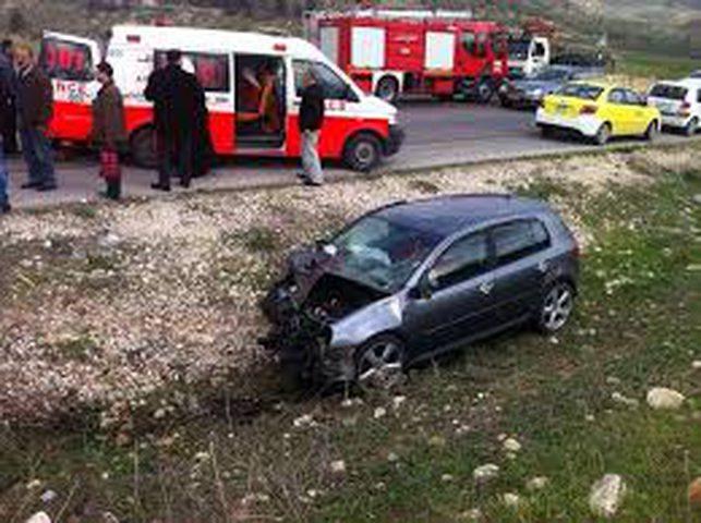 """إصابات بحادث تصادم مركبة فلسطينية وحافلة للمستوطنين""""فيديو"""""""