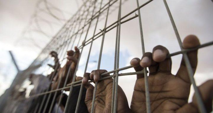 أسيران ينهيان ربع قرن في السجون