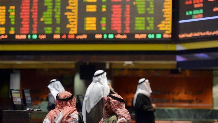 بورصات الخليج تتراجع بفعل النفط