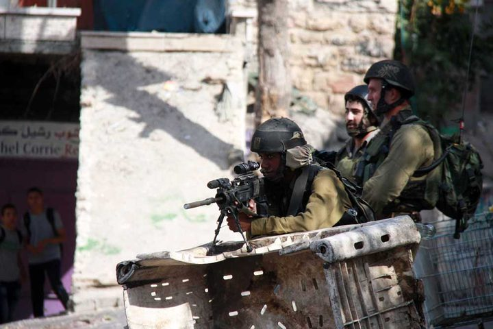 الاحتلال ينصب حاجزين في القدس