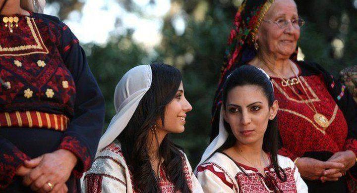 عشية الثامن من آذار : معطيات مهمة عن نساء فلسطين
