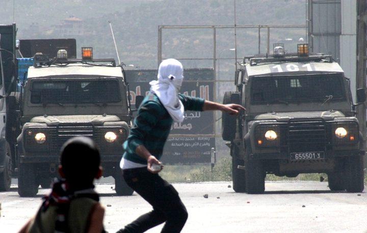 إصابات واعتقالات في موجهات غرب رام الله